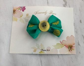 Pineapple button hair bow