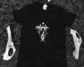 Occult Shirt | Wicca | Witchy | Nature Inspired | Esoteric | Nu Goth | Gothic Fashion | Pastel Goth | Tumblr Aesthetic || WITCH