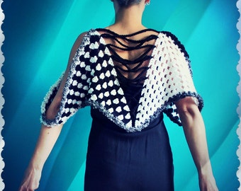 Crochet Black and White Capelet,Knit Capelet,Crochet Poncho,Knit Shawl,Women Ponchos,Crochet Top,Short Cape,Womens Clothing,One Size,Gift