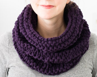 READY TO SHIP - Chunky Knit Cowl, Purple Cowl, Hand Knit Winter Accessories, Women's Accessories, Dark Purple Neckwarmer, Wool Scarf