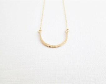 Gold Hammered Arc Necklace | 14K Gold Filled