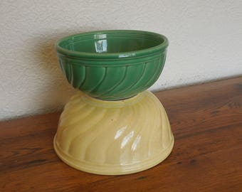 Vintage Yelloware Mixing Bowls Lot of 2 Green and Yellow Swirl Pattern Rustic Primitive