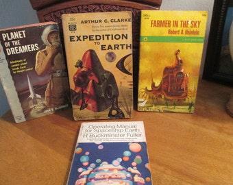 Science Fiction Paperback Books. (4)