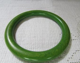 Vintage green and yellow marbled  Bakelite  spacer bangle bracelet