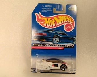 Vintage Hot Wheels Artistic License Series #1 of 4 Alien Car