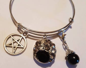 Snap button bracelet. Includes one snap button. Pentagram. Noosa snap button jewelry.