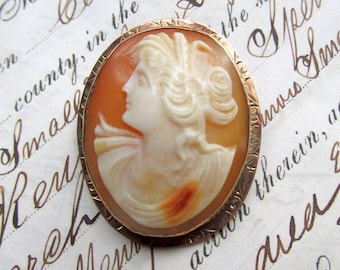 10k Gold Cameo Pendant or Brooch - Hand Carved Shell - VINTAGE Estate Jewelry