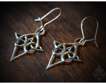Celtic knot silver earrings Scáthach