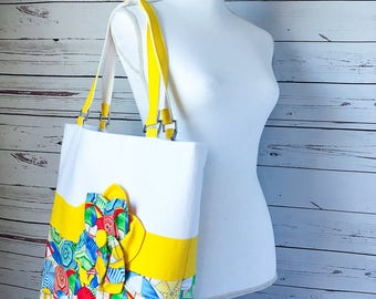 Extra Large Beach Tote Bag with Yellow Beach Umbrellas Print