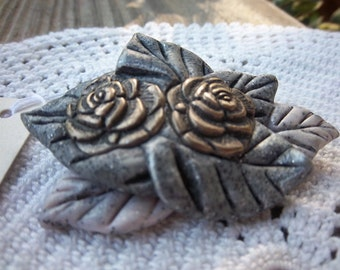 Leaf brooch in silver-gray, with silver tone roses - polymer clay