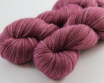Skein hand - dyed Fingering - superwash Merino - and Nylon 100 g / m 425 - Heather