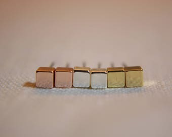 Cube square Stud earrings in silver, pink gold