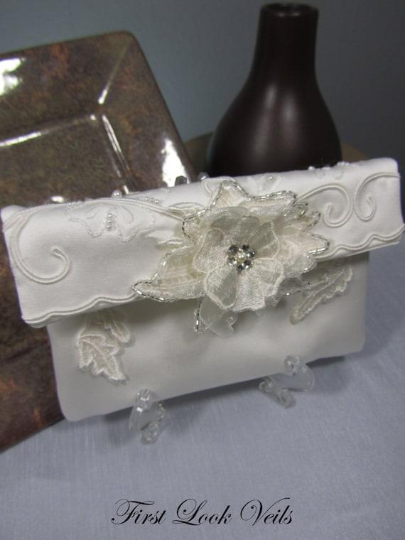 Clutch, Bridal Clutch, Women's Clutch, Bridal Accessory, Small Purse, Ivory Clutch, Swarovski Accent, Lace Clutch, Small Purse, Pocket Book
