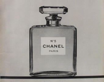 FR13  Chanel No 5 Paris ,  January 1971