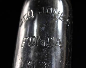Hutch NY0399 Geo Jones Fonda NY Blob Top Bottle