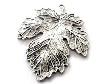 Maple Leaf Pendants in Silver Tone Metal, Maple Leaf Pendant - Pack of Seven