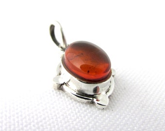 Sterling Silver 925 and amber oval cabochon