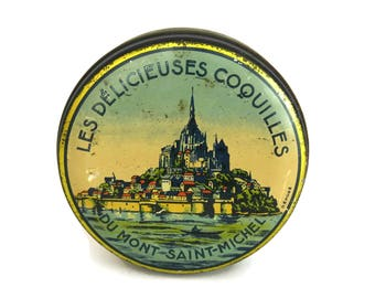 Mont Saint Michel Souvenir Tin Box. Vintage French Candy Box with Lithograph Advertising Illustration.