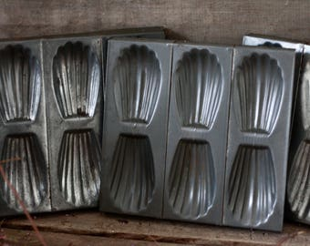 Set of 3 French antique madeleines molds. French cake pans. Cookies molds. French tart tin. Baking tins. Holder candle. French vintage mold.