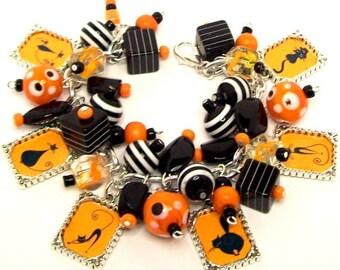 Black Cats Charm Bracelet, Halloween Charm Bracelet, Halloween Jewelry, Altered Art Charm Bracelet, Halloween Cats Picture Charm Bracelet