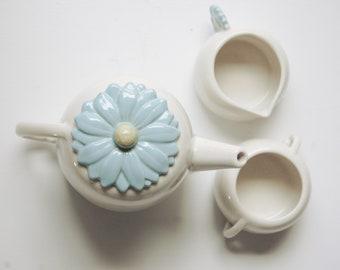 Vintage Abingdon Pottery Teapot with Sugar and Creamer Set - Unique Ceramic Coffee Pot- Blue Daisy - Country Kitchen Decor -  Tea Party Time