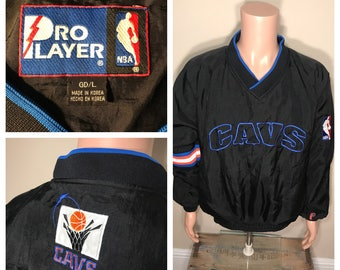 Vintage Cleveland Cavaliers windbreaker // Vintage Cavs light weight jacket // pro player // spell out // adult size large 90s
