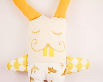 Sleeping Bunny in yellow and gold