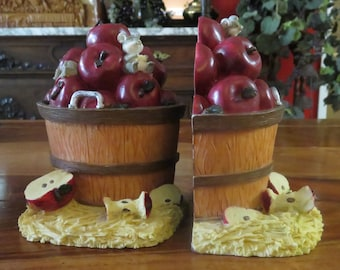 Adorable Vintage Wood Barrel Full  Of Red Juicy Apples With Mice Book Holders