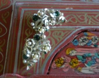 Vintage LISNER Earrings Green Rhinestones Faux Pearls Gold Leaves Clip Ons