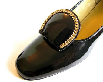 Vintage 1960s / 1970s Black Patent Vinyl And Leather Pumps with Buckle, Size 9 Narrow