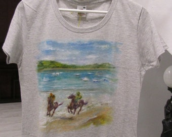Hand painted grey t shirt,painted landscape,hand painted top with horses,100%cotton hand-painted clothing,unique item,gift idea for her