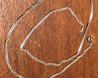 Vintage Italian 18 inch silver chain necklace in excellent condition