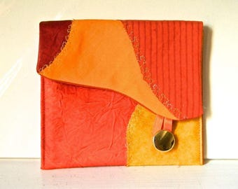 265 small pocket with flap, red/orange.
