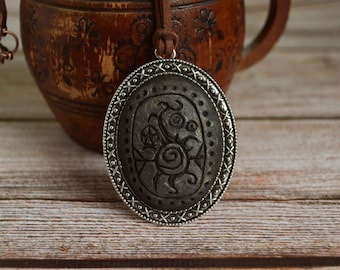 Great House Telvanni necklace, Handmade cameo pendant, Telvanni banner, Morrowind inspired amulet, Polymer clay, Elder scrolls cosplay