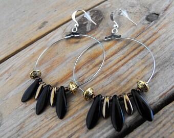 Circle earrings Pearl daggers bear paw