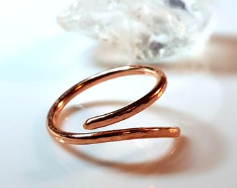 Vine Ring, Thin Copper Ring, Branch Ring, Twig Ring, Hammered Facets, 7th Anniversary Gift, Wrap Ring, Polished Copper, Feminine Nature Ring