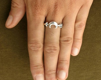 Silver plated ring - Moon and Arrow