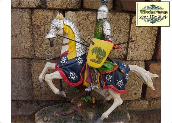 Caballero medieval a caballo, Figura medieval, Caballero medieval con armadura, Figura de caballero colección, Figura caballero resina