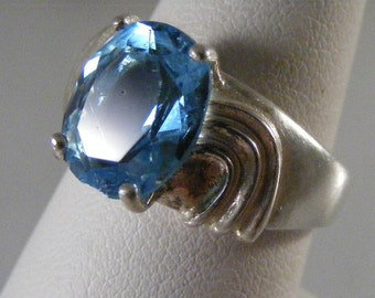 Vintage  Swiss Blue Topaz Sterling Silver Ring.....  Lot 4204