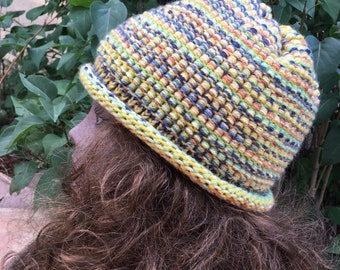 Barrel Stitch Hat -- a loom knit pattern