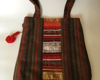 Embroidered shoulder bag with key ring and internal pocket