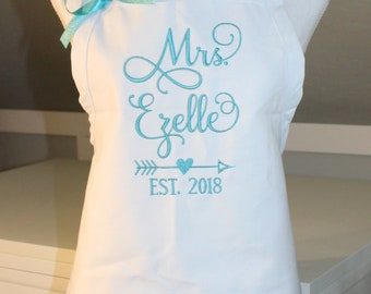 Mrs Apron in GRACE Font with Arrow w/Heart - Bridal Shower Gift - Bride Apron - Wedding Apron - Gift for the Bride - Personalized Apron