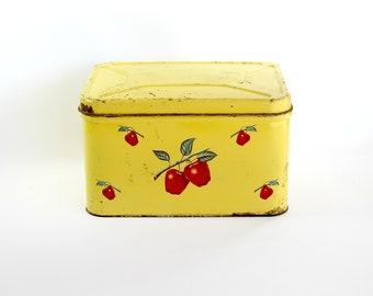 Vintage Metal Bread Box Decoware Apples Kitchen Storage Farmhouse Cottage Primitive Chippy Rusty Decor
