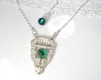 Vintage Art Deco Emerald Rhinestone Dress Clip Pendant Necklace, 1920 Bridal Necklace Green Paste Crystal Downton Abbey Gatsby Wedding