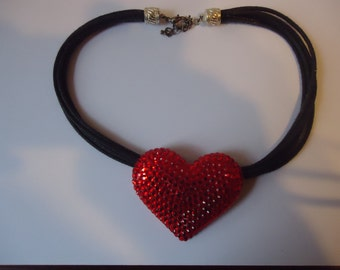 Valentine red rhinestone large heart choker necklace