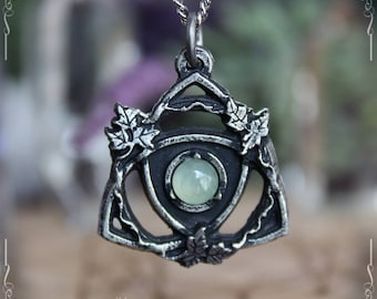 Celtic knot pendant,triquetra pendant, trinity knot with labradorite, amethyst or malachite