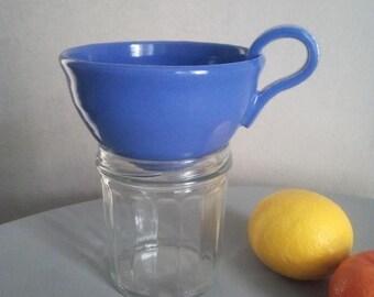 Funnel jams / ultramarine blue