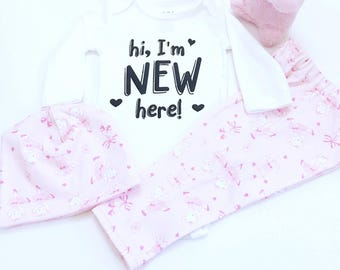Hi, I'm New Here Outfit For Girls, Girls Coming Home Outfit, Newborn Girl Coming Home Outfit, Pink Coming Home Outfit, Baby Girl Outfit