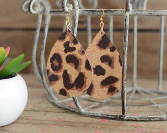 Teardrop earrings in a leopard print
