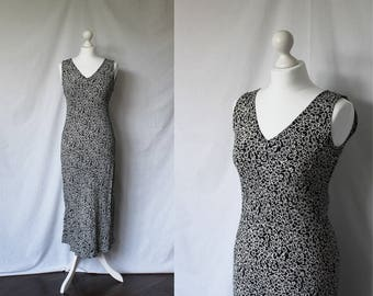 Vintage black and white floral maxi dress / long bias cut floral vintage dress / size small